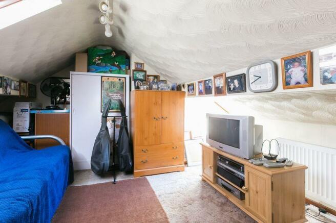loft room / bed