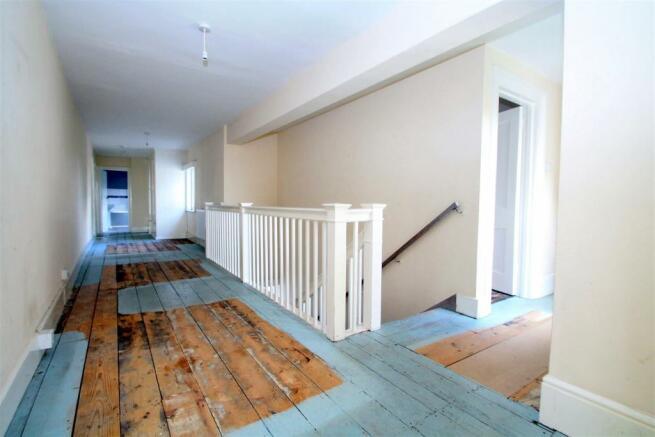 First Floor Landin
