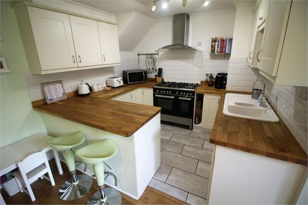 Refitted Kitchen/ D