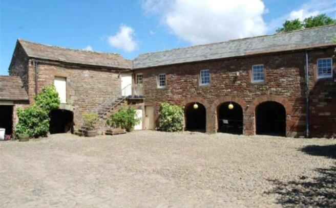Courtyard & Cottage