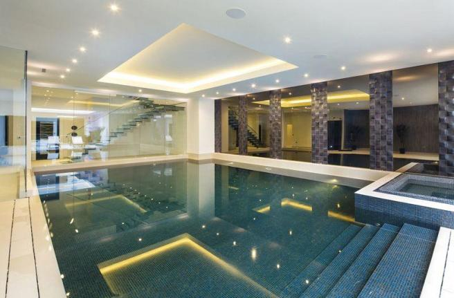 8 bedroom detached house for sale in white lodge close Houses for sale in london with swimming pool