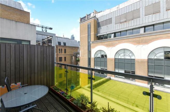 E1: Balcony
