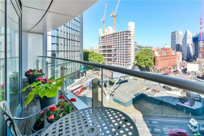 Ec1y: Balcony
