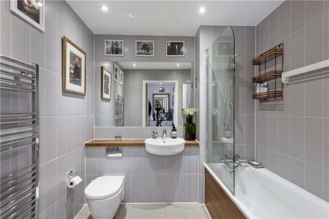 E2: Bathroom