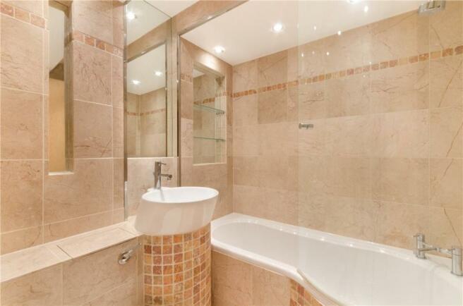 Ec4a: Bathroom