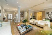 6 bed Flat in Queen Annes Gate, London...