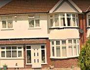 1 bedroom semi detached property to rent in Seacroft Avenue...