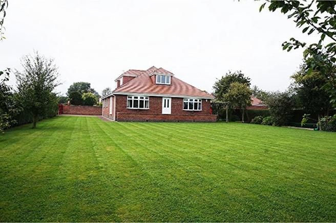 5 Bedroom Detached Bungalow For Sale In Cottage Pasture