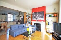 Flat to rent in Rowfant Road, Balham...