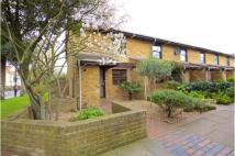 2 bed End of Terrace house in Normanby Close, London...