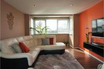 Flat to rent in Romford, Collier Row...