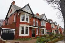 6 bedroom semi detached property in Beverley Gardens...