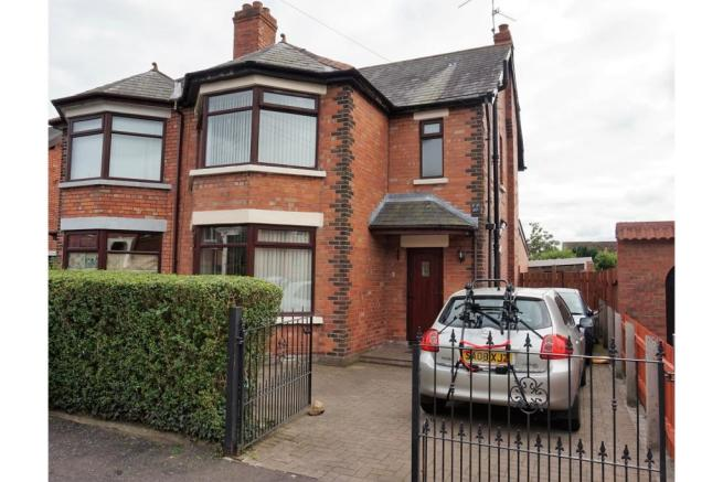 3 Bedroom Semi Detached House For Sale In Cliftondene