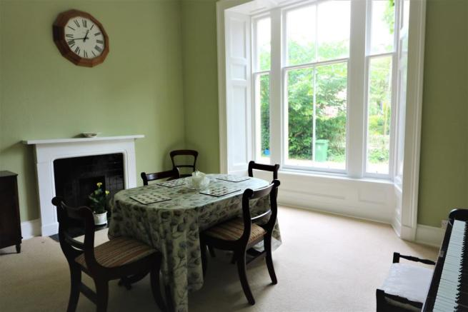 Bed 3 / Dining Room