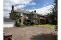 Detached home in Kings Road, Honiton...