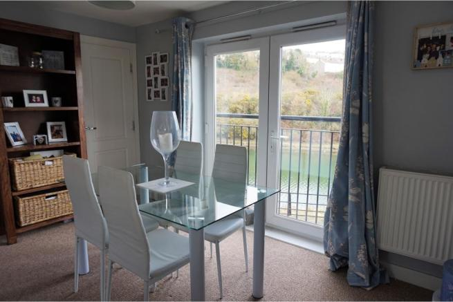 2 Bedroom Coach House For Sale In Pottery Street Swansea SA1