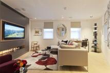 2 bedroom Terraced house in Hanway Street, Fitzrovia...