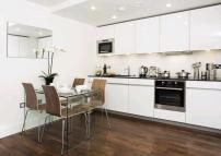 Flat in Weymouth Street, London