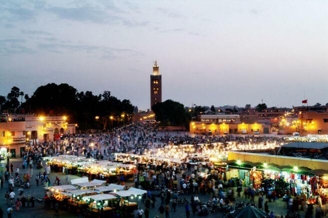 Medina 10 mins away