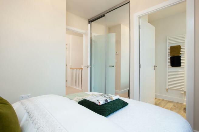 Hindhead_bedroom2