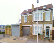 10 bedroom property in Cumberland Road, London