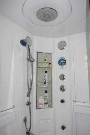 Aqualax Shower
