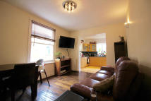 Flat to rent in Newport Road, London, E10