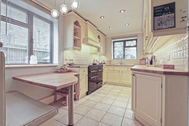 Kitchen / Brea...