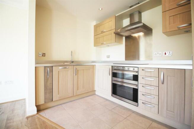 Kitchen - (Kem).jpg