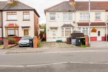 3 bed semi detached home to rent in Somerton Road, Newport...