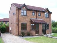 2 bedroom semi detached property to rent in Oakfield Close, Brigg