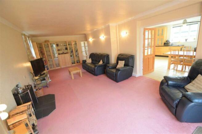 4 bedroom detached bungalow for sale in Cotgrave Lane, Tollerton ...