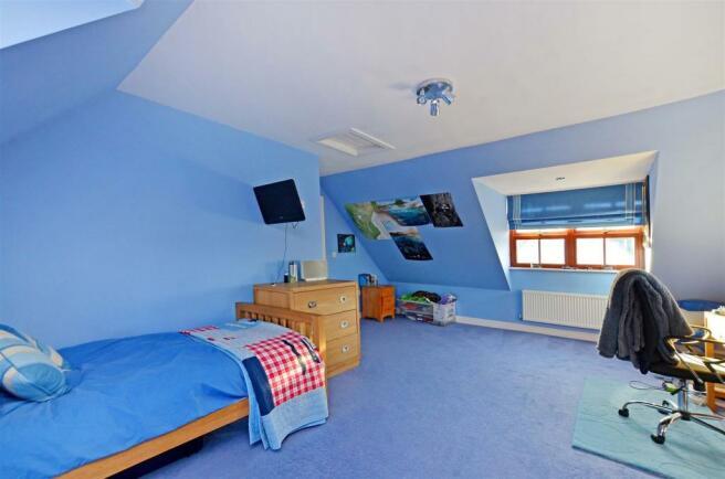 Bedroom 2 (1).jpg