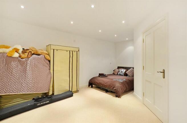 Bedroom 4 (Basement)