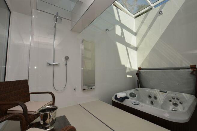 Spa / Wet Room...