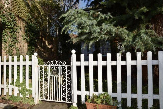 Gated front ga...