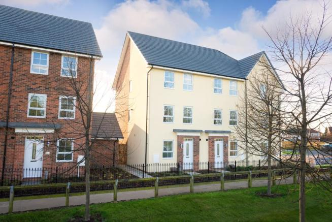 4 bedroom end of terrace house for sale in bawtry road