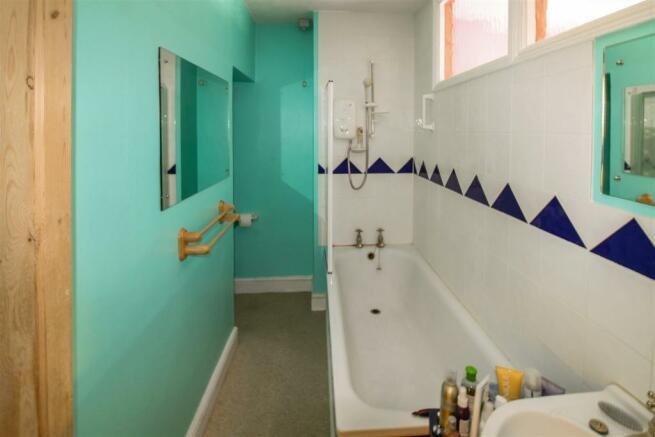 bathroom_dp_23032726