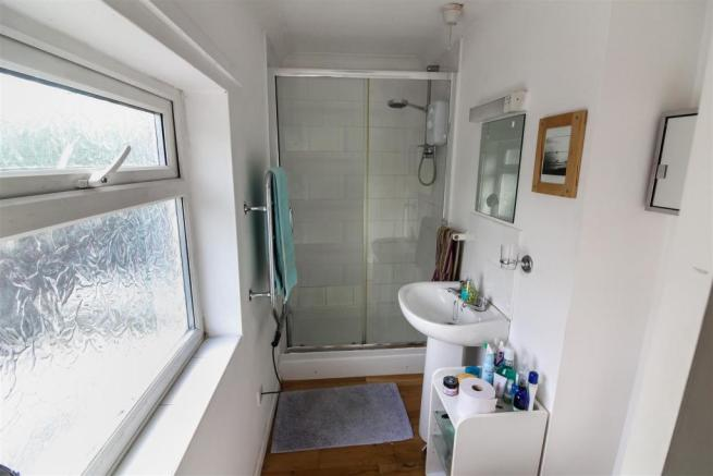 Shower_room_dp_23553