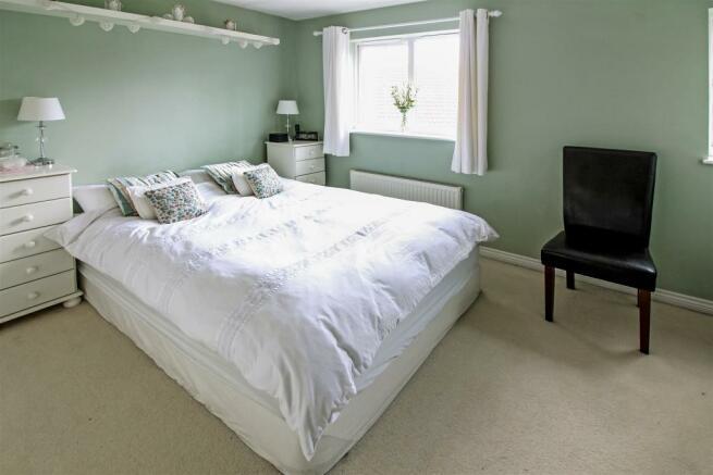 bedroom_1_copy_dp_24