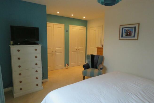 Bedroom 1 - 2.JPG