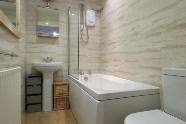 Bathroom set 1.JPG