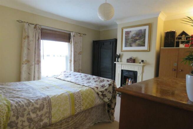Bed 1 set 1.JPG