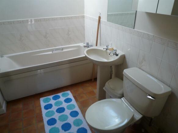 The Barn bathroom.JP
