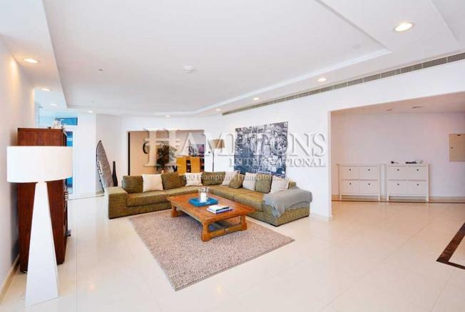 Casual Lounge/Living