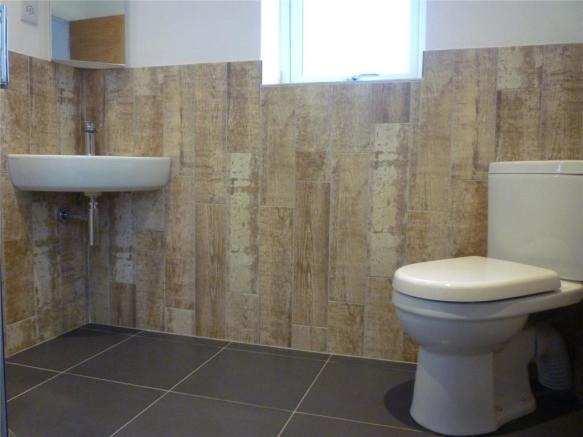 Home 4 -2nd Bathroom