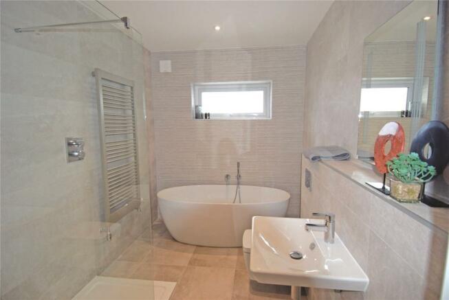 Plot 9 Family Bathrm
