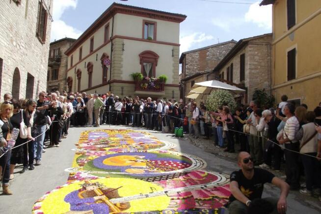 Flower festa road