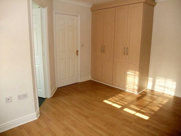 Master bedroom (a).J