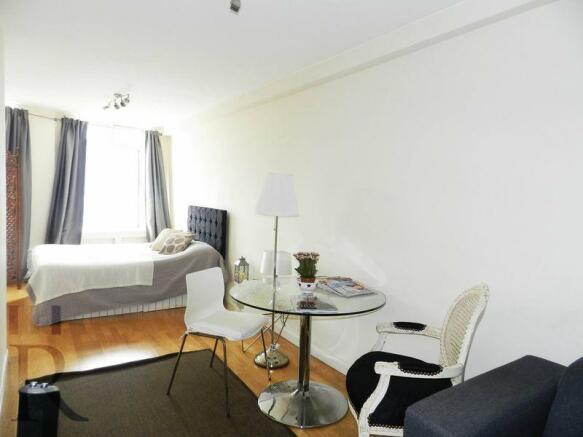 Reception/Bedroom